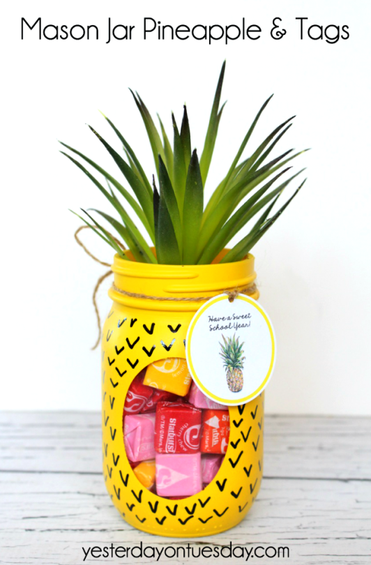 DIY: Mason Jar & Pineapple Tags Tutorial by Yesterday On Tuesday x Plutonium™ Paint color: Limon Cello. ——>>> Have a Sweet School Year! <<<—— Link to Tumblr Post —&#8211…