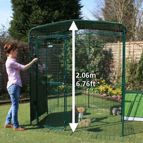 The hi rise outdoor rabbit run allows you to walk in to for Cage lapin exterieur