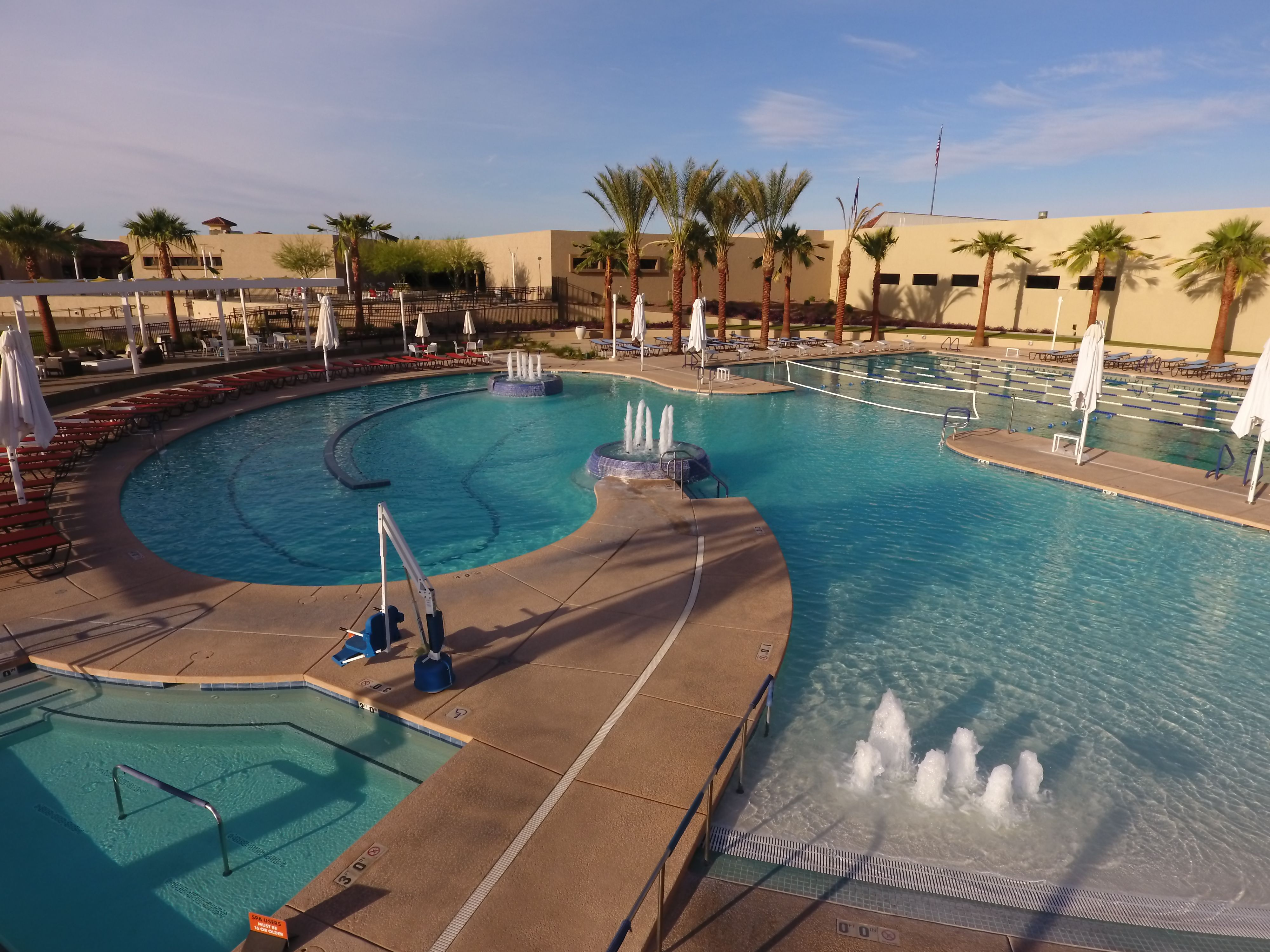 Here Is A Great Shot Of Sun City West In Phoenix Arizona This Community Wanted A Pool That Featured A Beach Entry Lap Swimmin Sun City West Pool Sun City