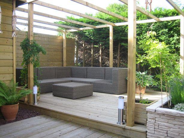 Speels vlonder terras lounge hoek terras pinterest gardens garden ideas and pergolas - Smeedijzeren pergolas voor terras ...
