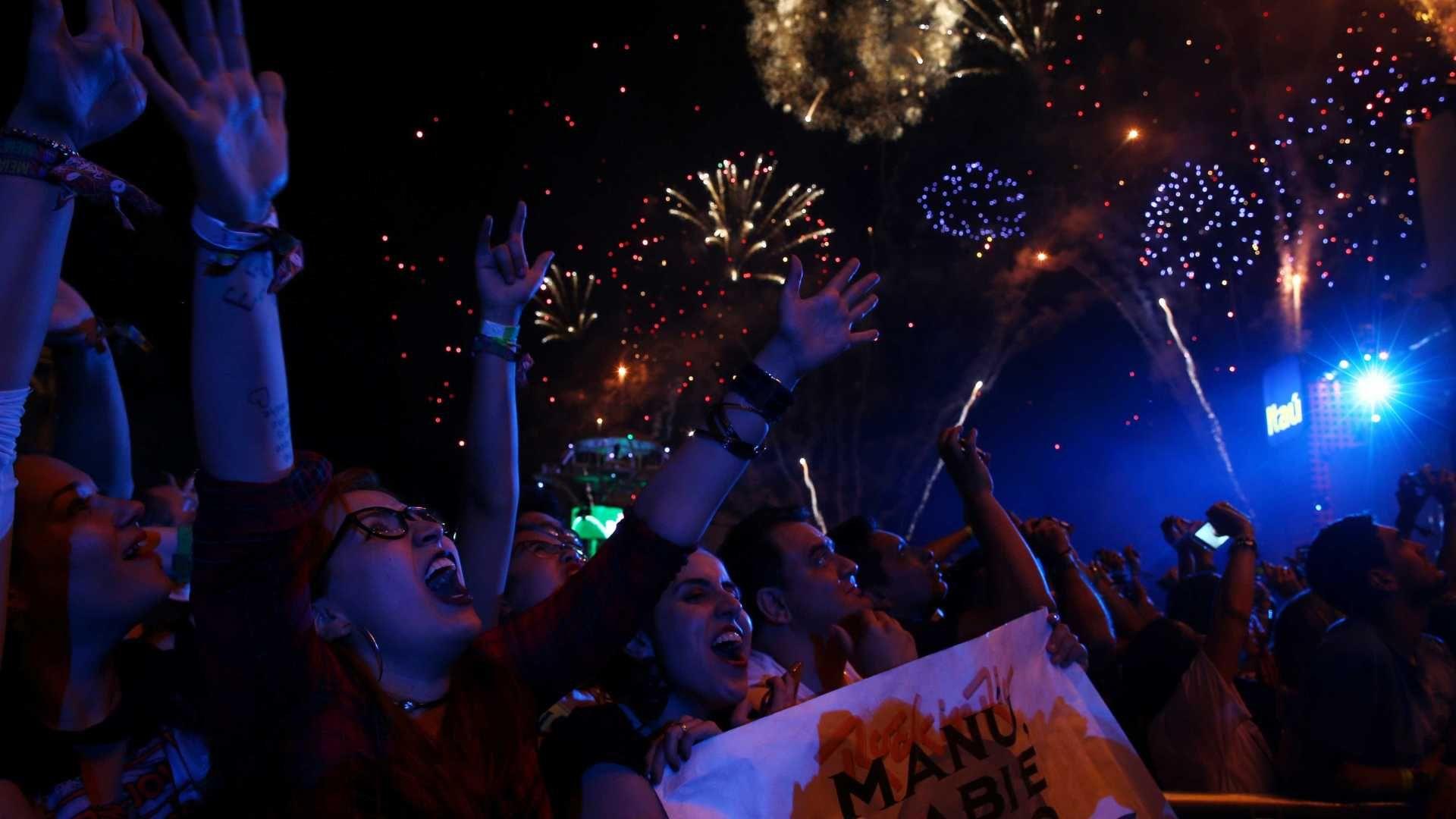 InfoNavWeb                       Informação, Notícias,Videos, Diversão, Games e Tecnologia.  : Em show vibrante no Rock in Rio, BaianaSystem pede...