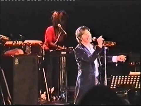David Bowie - Moonage Daydream (live London 2002)