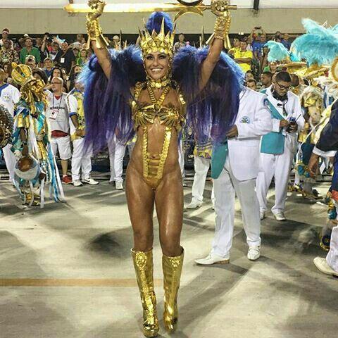 Gente, é hoje, na Cidade do Samba, o sorteio da ordem dos desfiles de 2017! Pode parecer loucura, mas eu não vejo a hora do Carnaval chegar!!! Minha Vila, estamos juntos, sempre!!! Vamos com tudo @unidosdevilaisabel e bateria @swingueira_vilaisabel . #ÉVerdade #unidosdevilaisabel #povodosamba