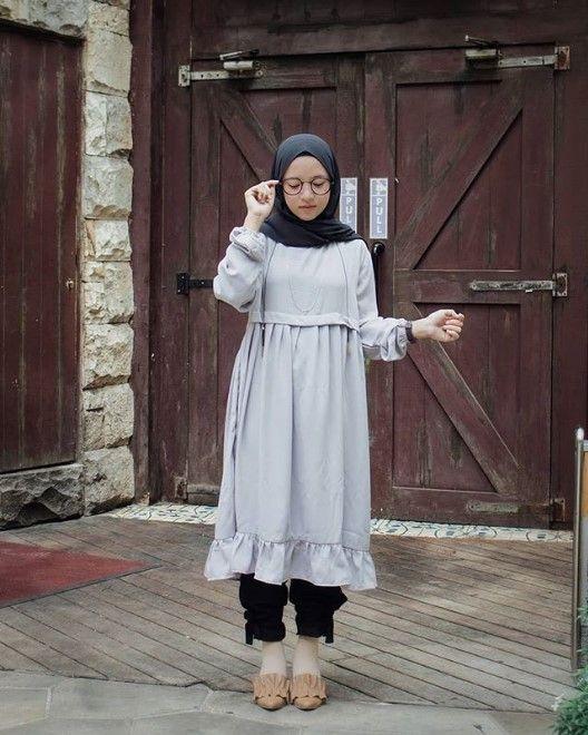Ini Dia Koleksi Terbaru Tunik Nissa Sabyan Casual Hijab Outfit