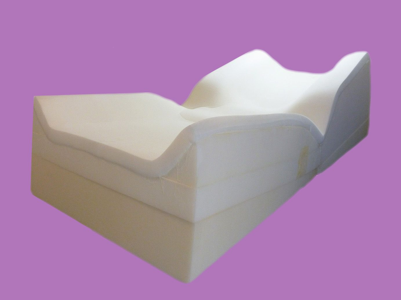 Good The Comfy Lift™ Bed Has A Patented Design That Features An Elevated Head  Rest To Lift The Upper Body Of The Sleeper.