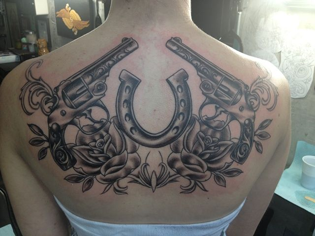 Guns and Roses Tattoos for Girls   Guns, roses and ...