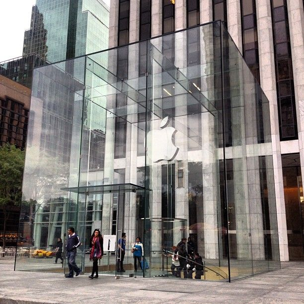 Apple Store 5thave Newyork So Saw This While I Was In New York It Was Awesome New York Architecture