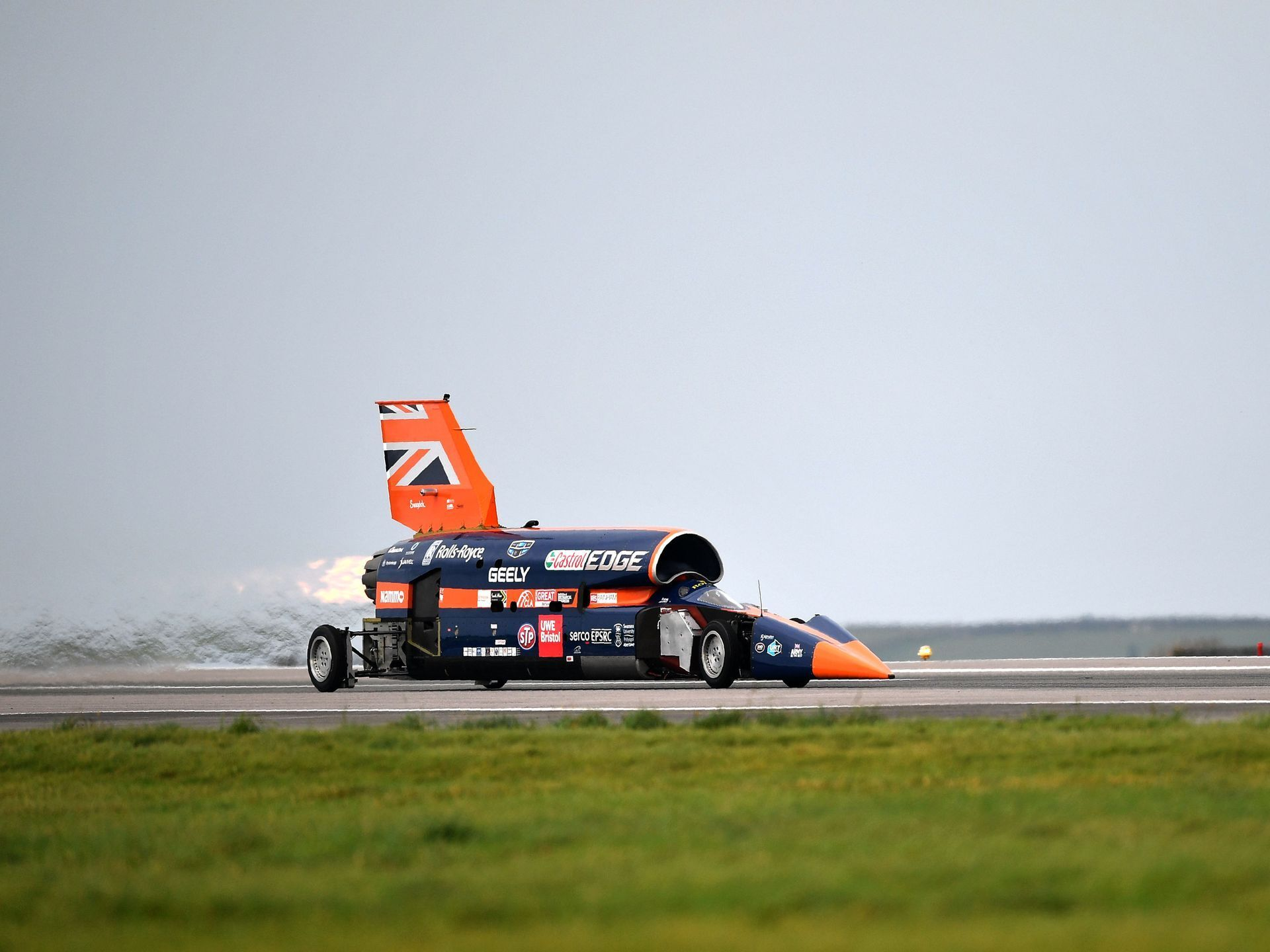 The Bloodhound Supersonic Car Driven By Andy Green Bloodhound Car Car Makes