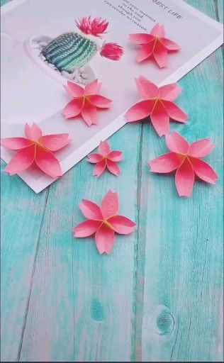 Photo of Origami Blume Sakura