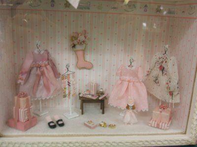 A Miniature World: Pink Roombox: Seattle Miniature Show, Sept. 2008