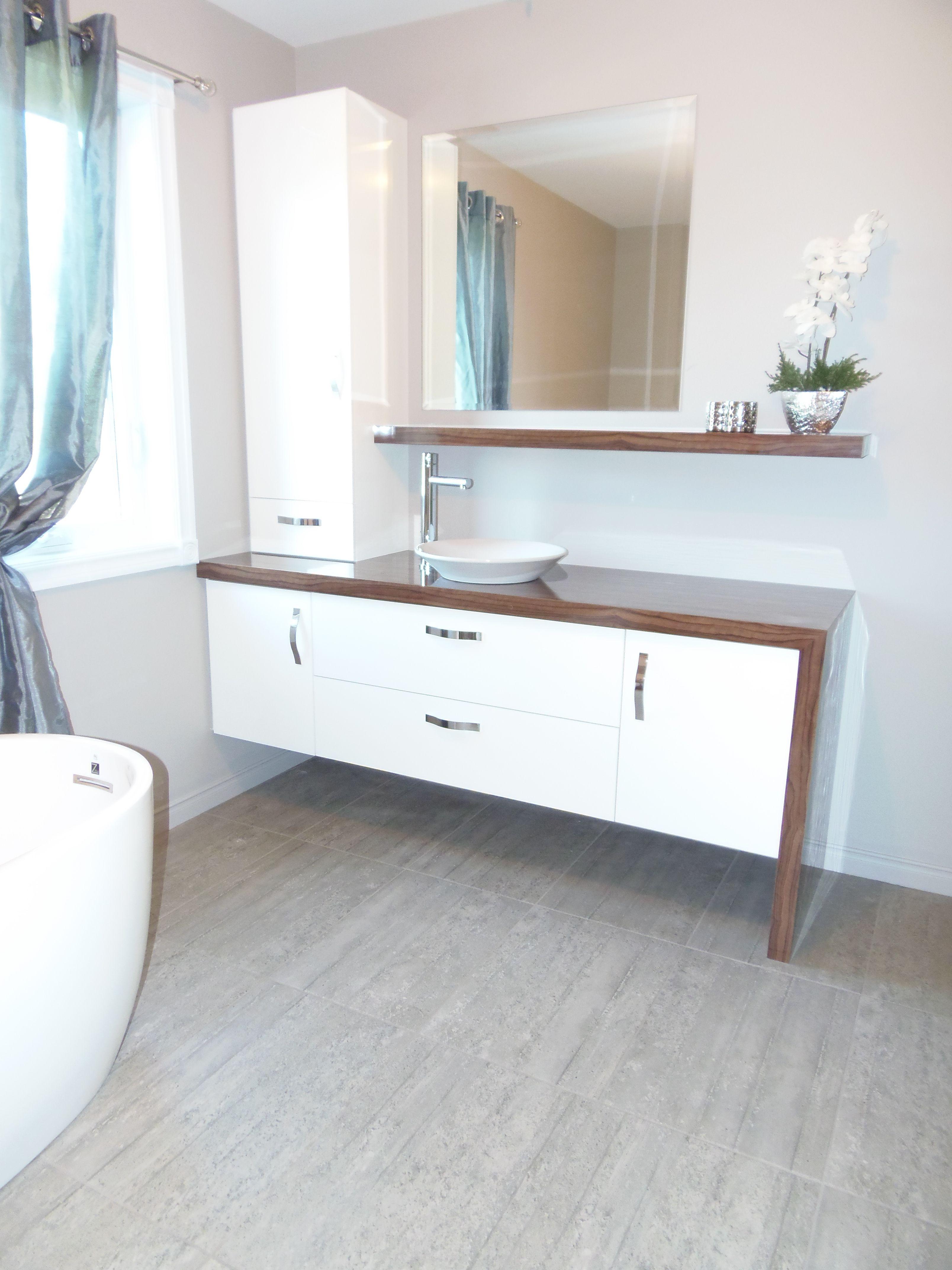 salle de bain moderne salle de bain pinterest small bathroom armoires and bath. Black Bedroom Furniture Sets. Home Design Ideas
