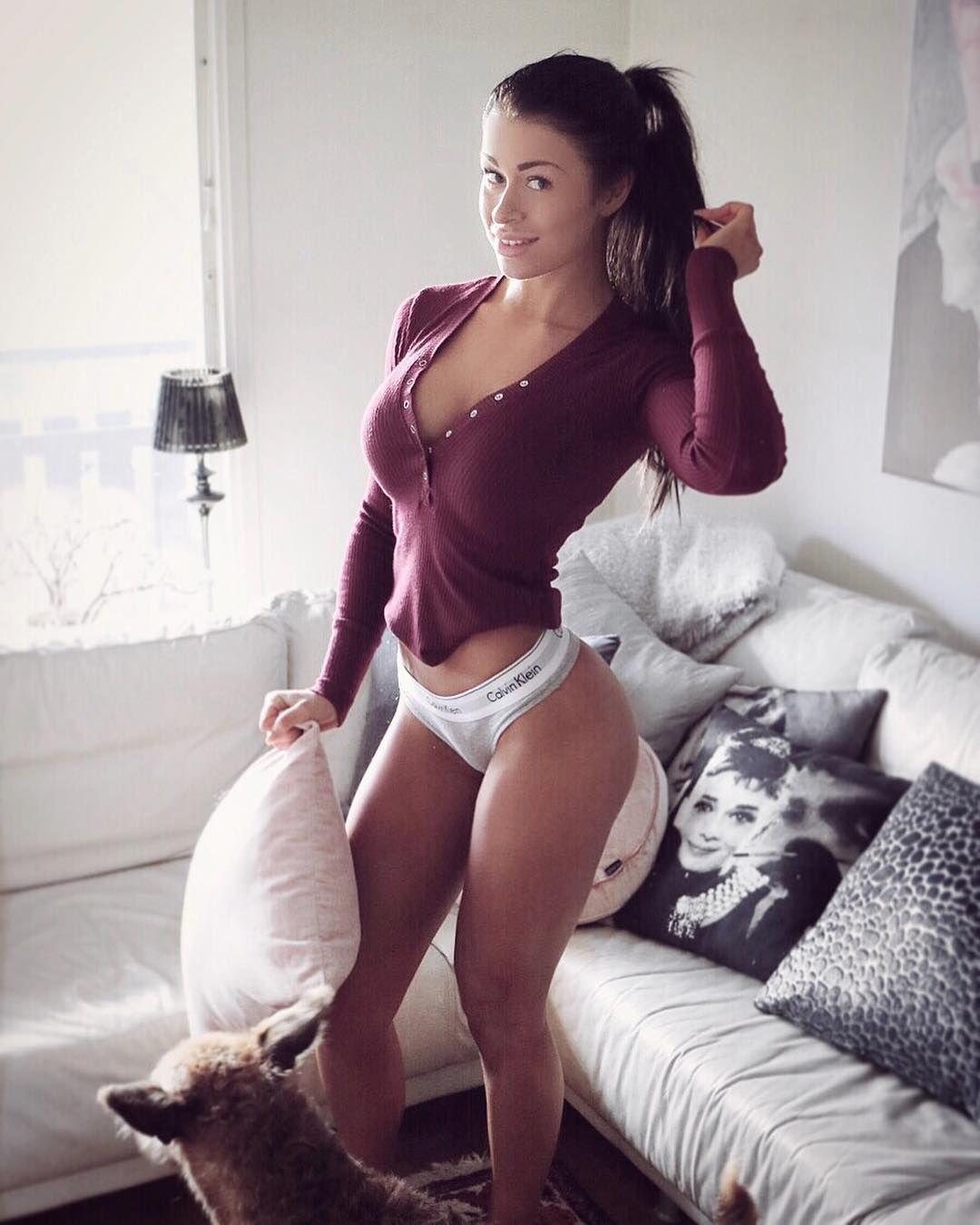hottest white girls