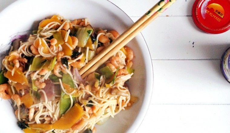 Photo of Noodles with Hoisin sauce, wok vegetables and shrimp + WINACTION!