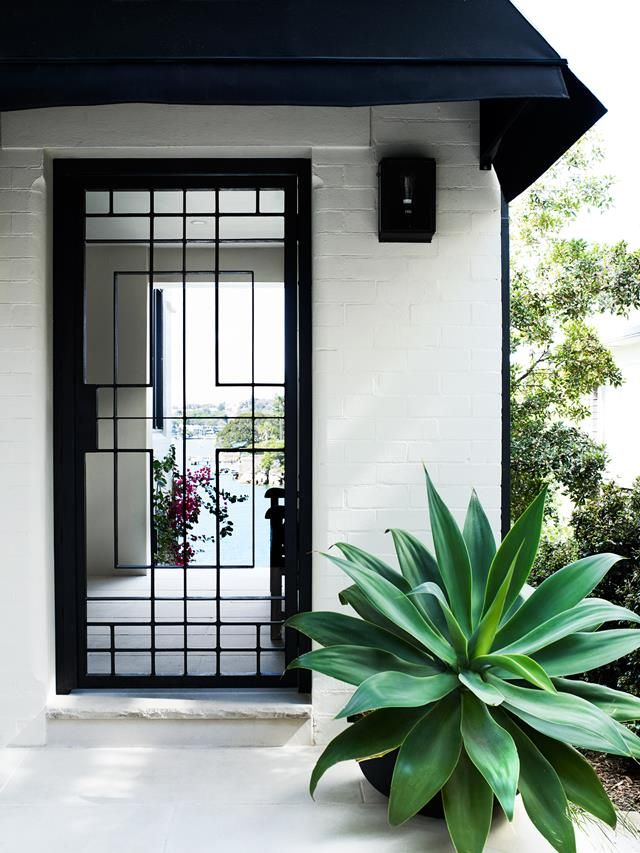 A luxurious resort-style home on Sydney's Parsley Bay