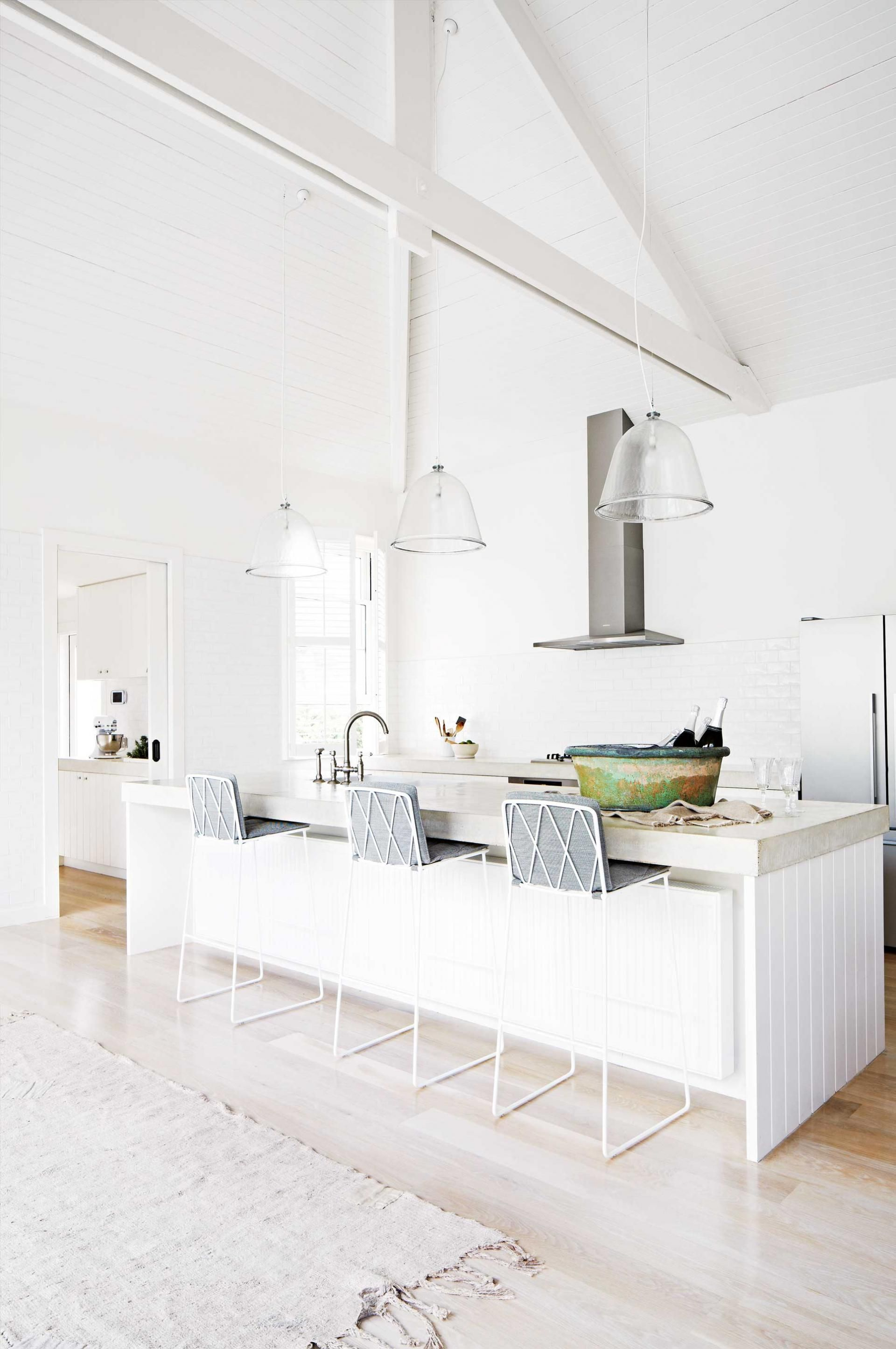 Dachboden über küchenideen the best white kitchens styling by julia green photography by
