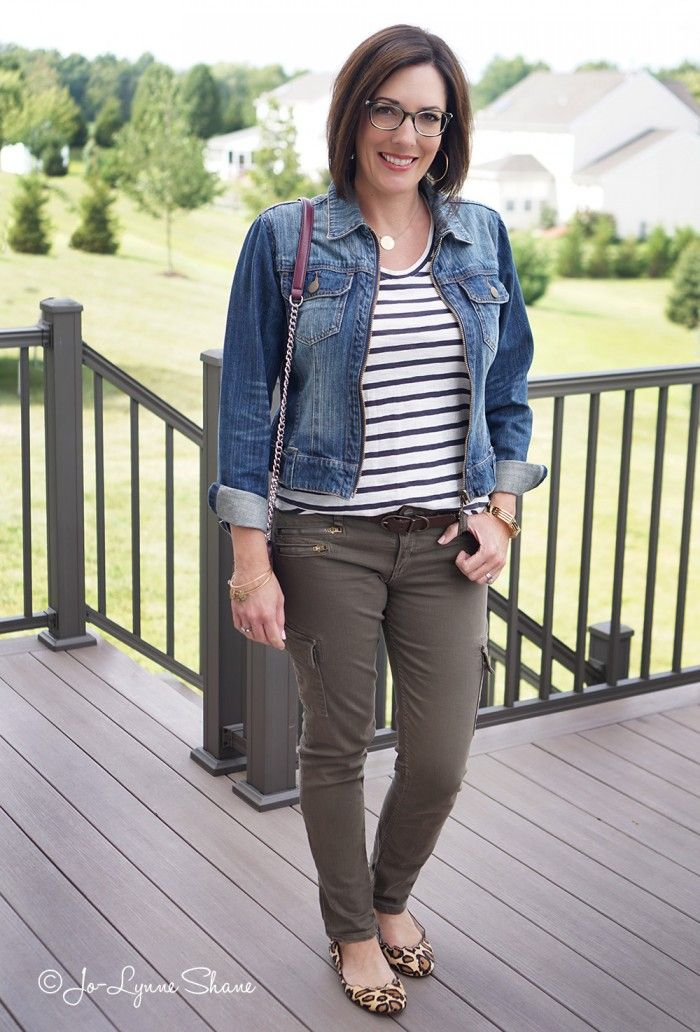a3440d07cb 26 Days of Fall Outfit Ideas  Stripes + Olive Cargos + Denim Jacket +  Leopard