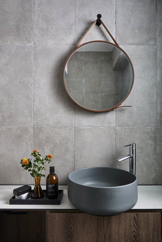 Pin By Hellofortyfour On 44 Round Mirror Bathroom Interior Design Singapore Interior Design Studio [ 1498 x 1000 Pixel ]