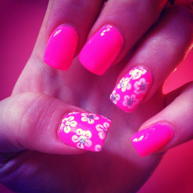 Pink flower summery nails! Soo cute
