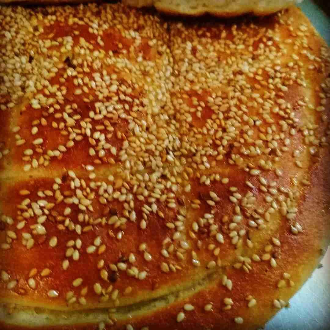 خبز تركي بالسمسم زاكي Food Arabic Food Sweet Pastries