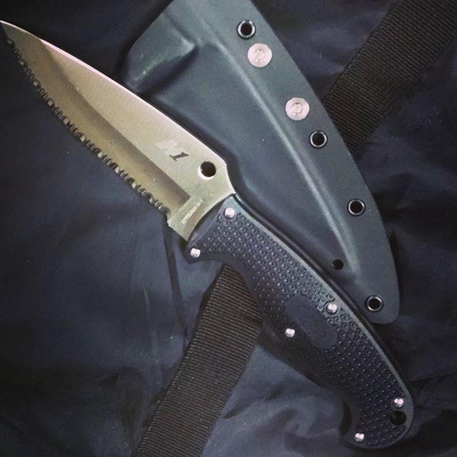 Spyderco JumpMaster 2 FB24SBK2. Fixed Blade With Kydex