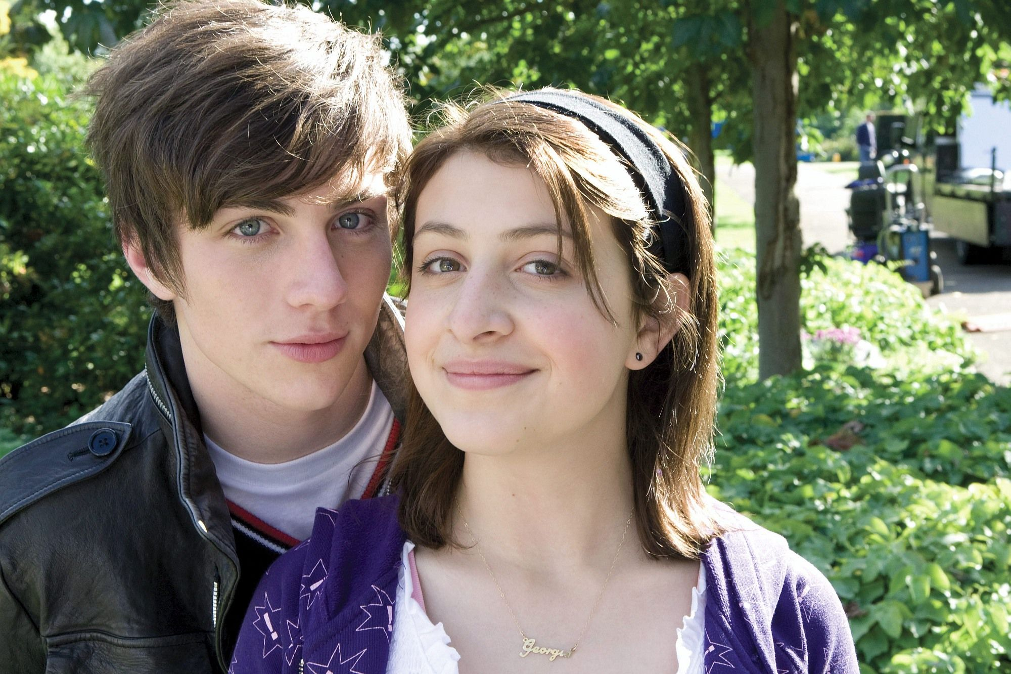 Aaron Johnson On The Set Of Angus Thongs And Perfect Snogging 2008 Angus Thongs And Perfect Snogging Georgia Groome Just Girly Things