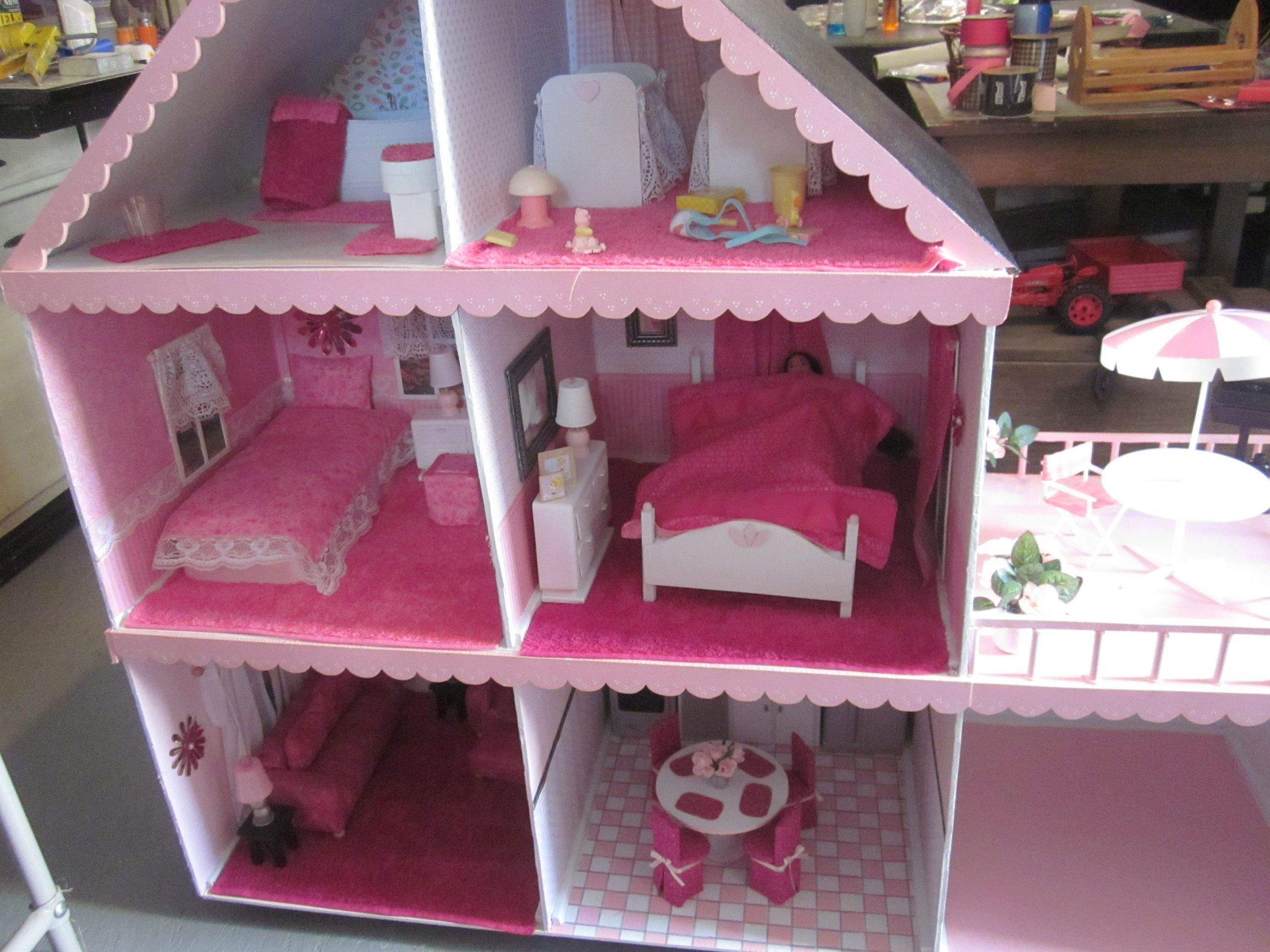 10 awesome barbie doll house models - Barbie Doll House