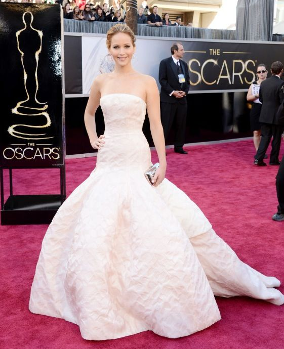 Jennifer Lawrence Oscars Dress: Dazzling in Dior Haute Couture ...