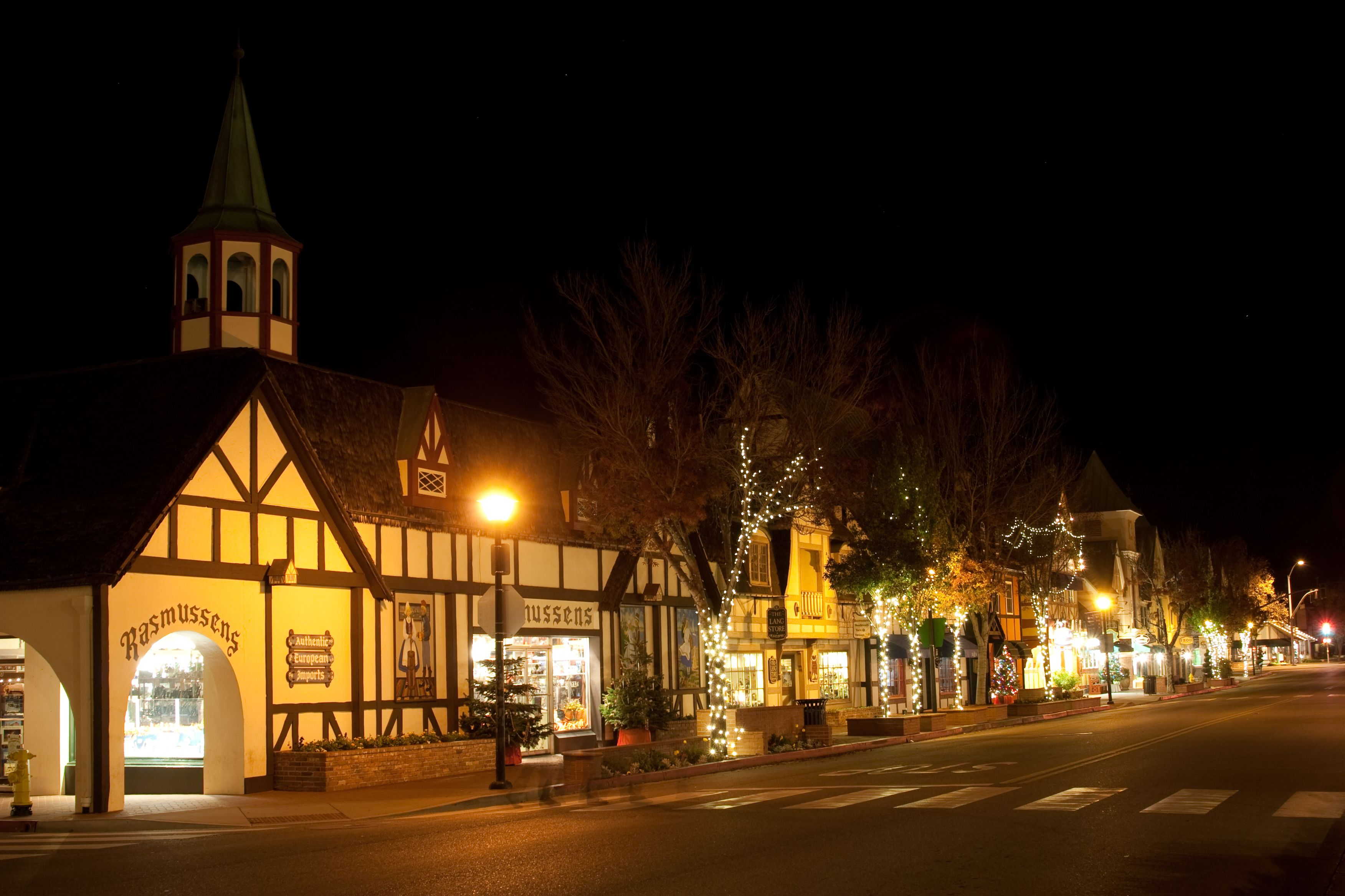 Solvang Ca Christmas.We Loved The Christmas Lights In Solvang Ca It S Quite