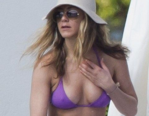 563668ef89 Jennifer Aniston No Bras Best
