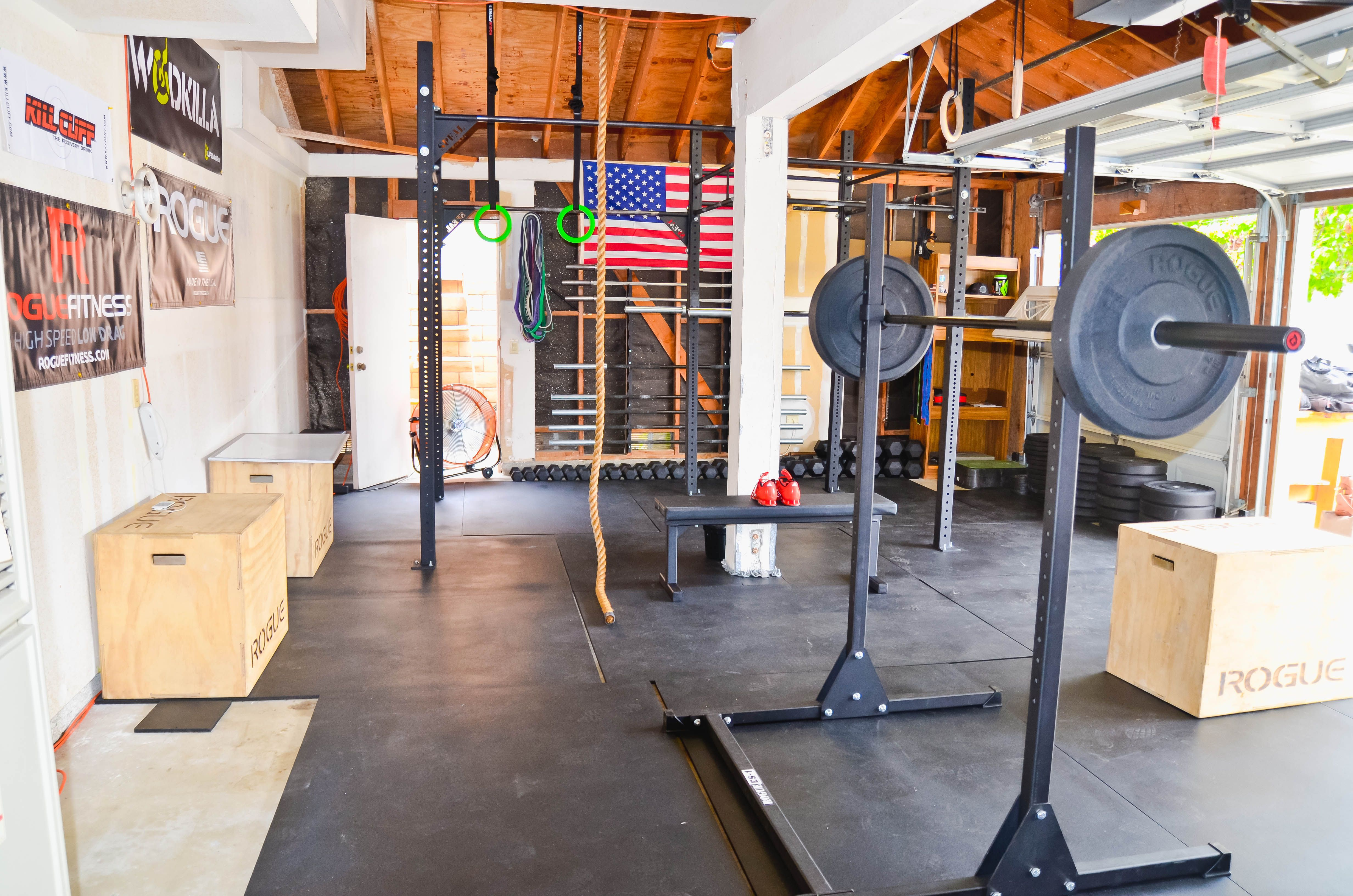 Diy Garage Gym Equipment Garage Gyms Rogue Equipped Gyms Home Gyms Pinterest