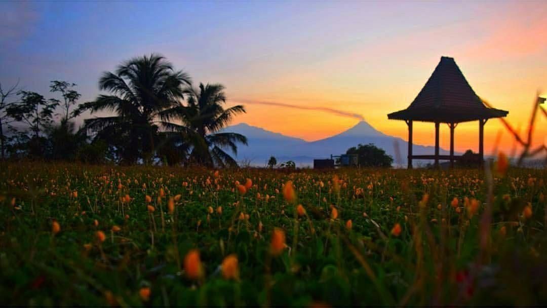 Wisata Embung Banjaroya Kalibawang Kulonprogo Jogja Pemandangan Pantai Bangunan Tua