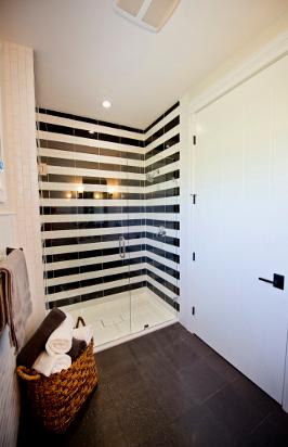 Black And White Shower Tiles, STRIPES