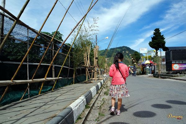 Japanesse child, walking alone in Dieng Culture Festival 2017.    #dieng #culture #festival #blog #blogger #article #website #story #storytelling #indonesia #share