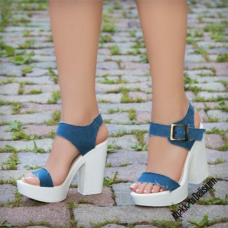 Platfrom Topuklu Sandalet Modellerini Yazlik Kombinleriniz Ile Kullanabilirsiniz Kot Topuklu Ayakkabi Jean Ayakkabi Pla Topuklular Moda Ayakkabilar Sandalet