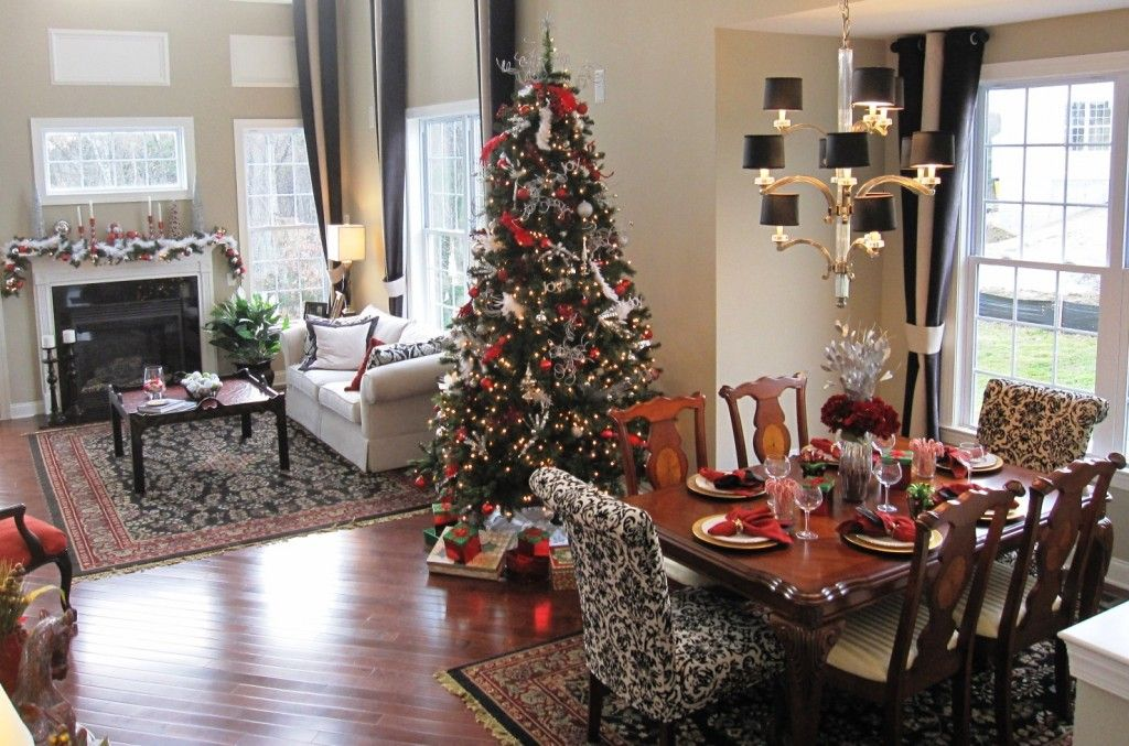 4 Staging Tips When Selling Your Home Over The Holidays.