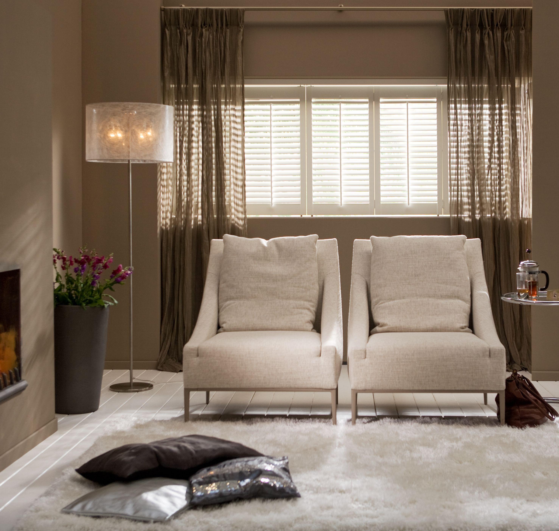 dimago® #shutters, #gordijnen, #verf (kleur Hazelnut) en #vloerkleed ...