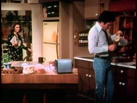 Rhoda S1 Ep12 November 18 1974 I M A Little Late Folks 70s Tv Shows Tv Shows Talk Show