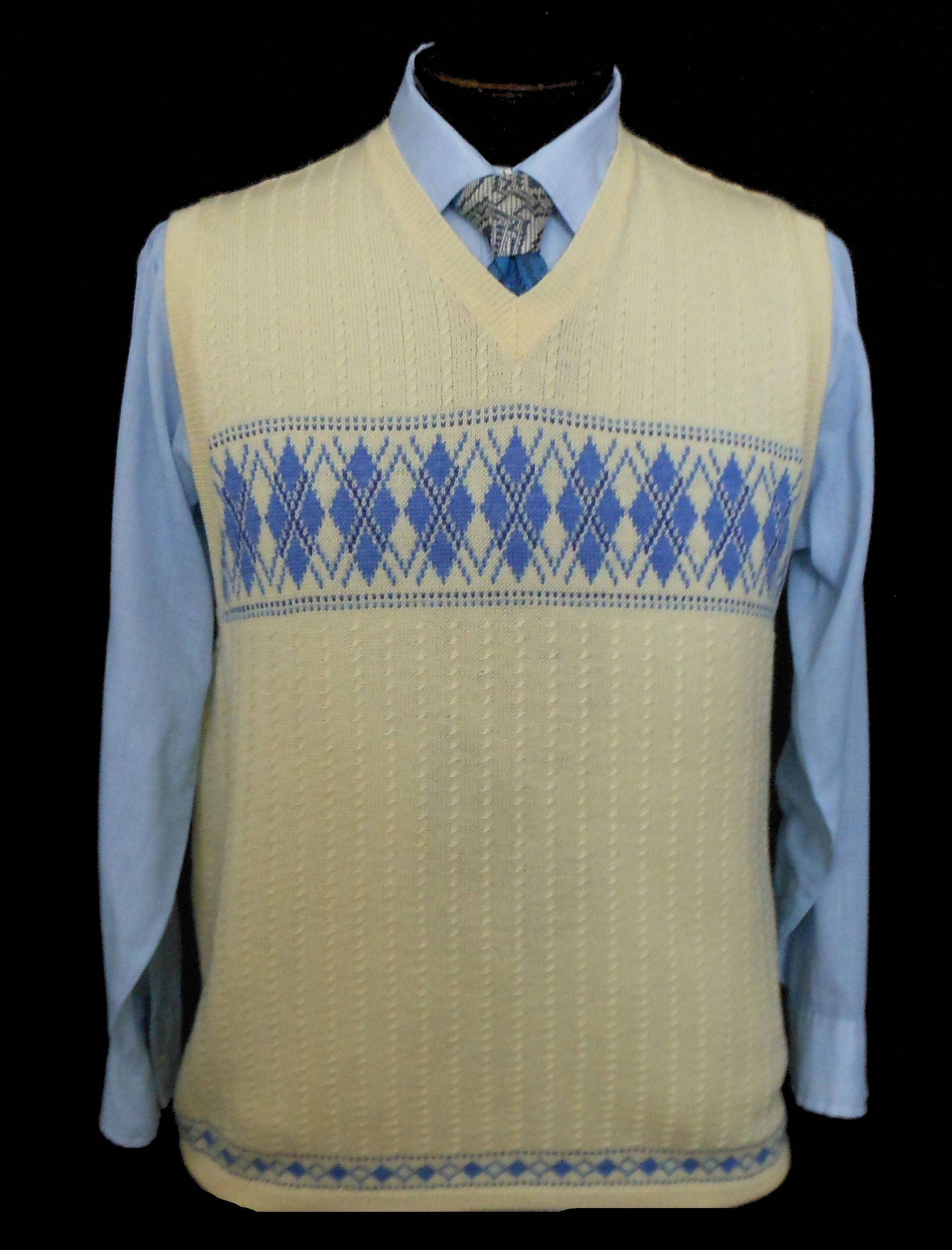 20s 30s Style Men S Cable Knit Sweater Vest 1990s Cream White And Blue Argyle Wool Pullover Size Med Mens Cable Knit Sweater Argyle Sweater Vest Sweater Vest