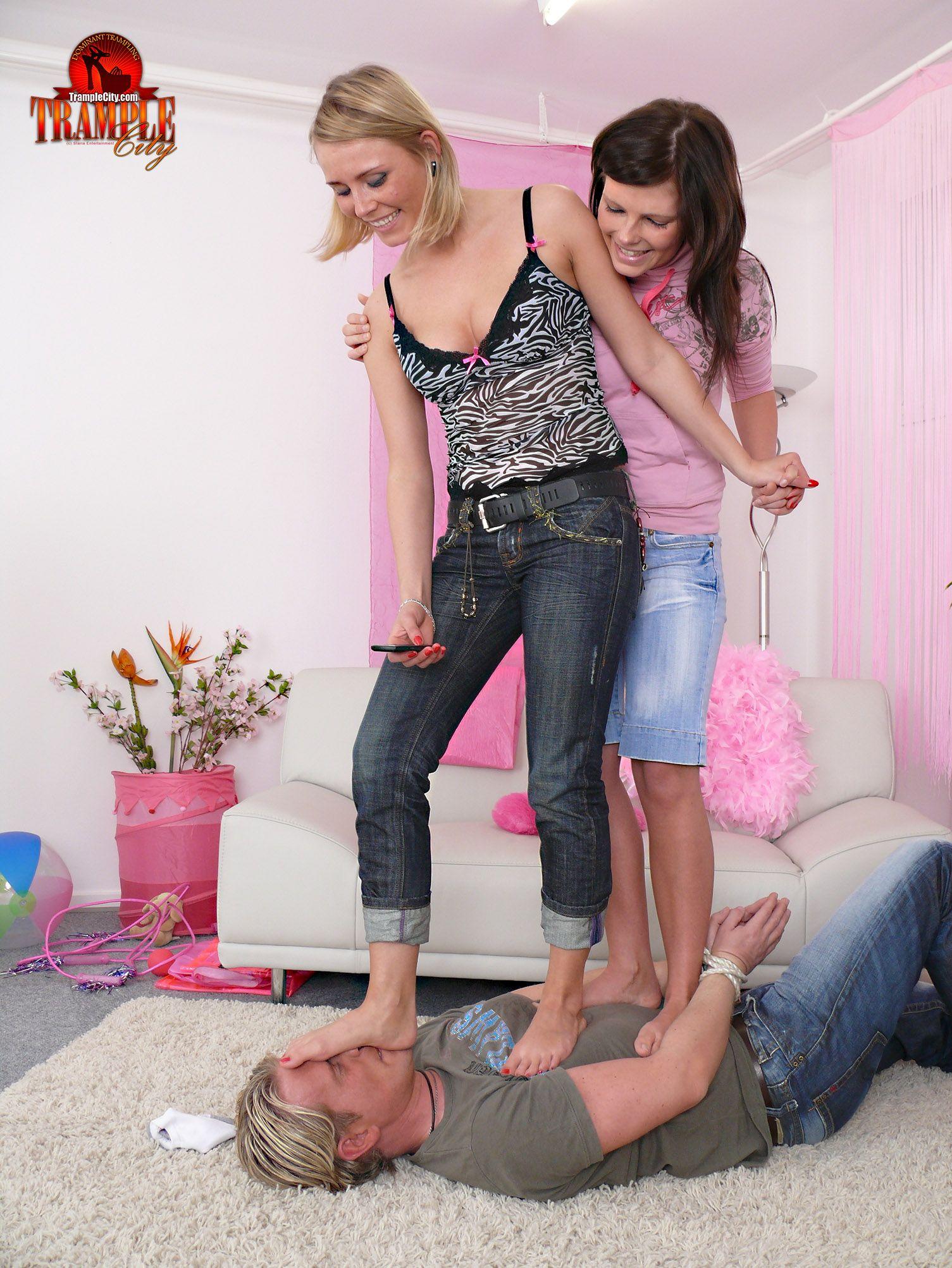 facesitting female