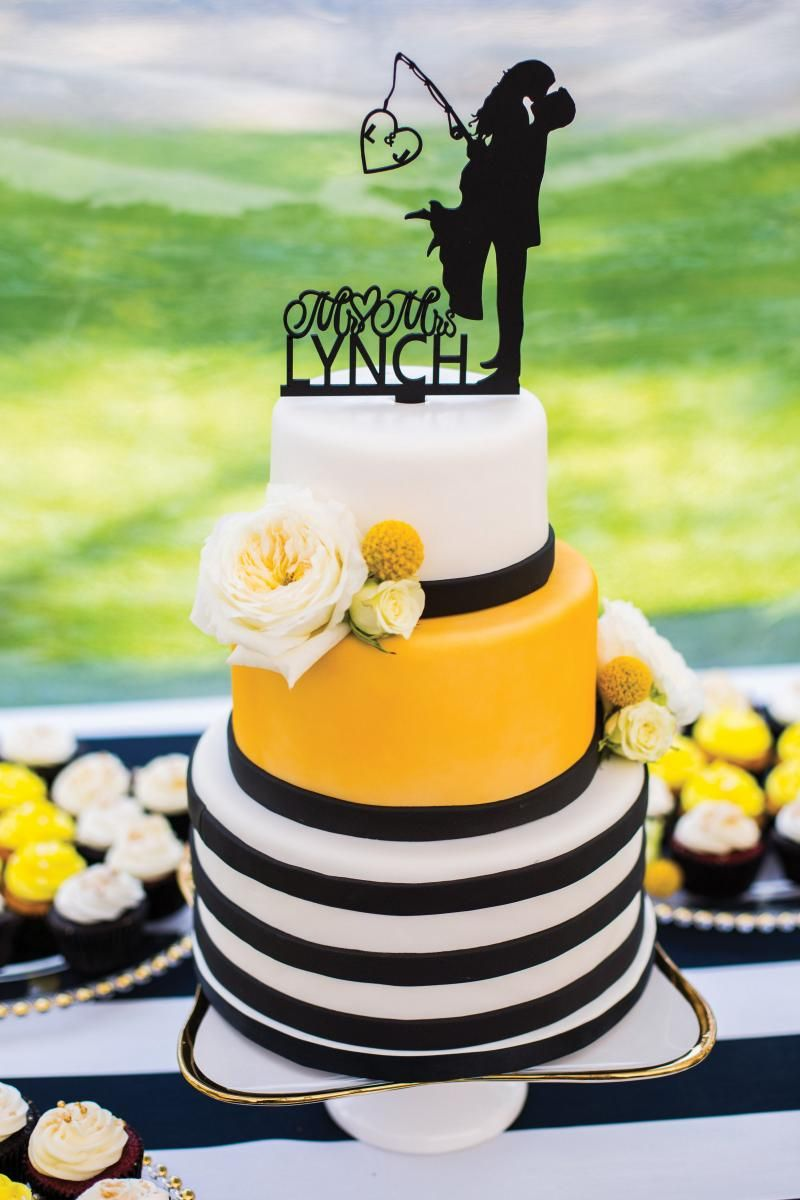 Bold Wedding Colors At This Black And Yellow Nautical Martha S