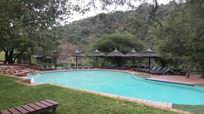 Central Entertainment Area At Mabalingwe Nature Reserve Where Our Friday Get Together Takes Place Entertaining Area Chic Wedding African Chic