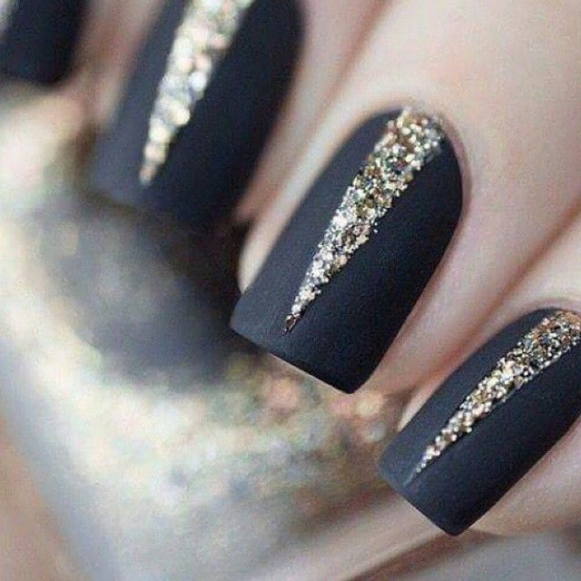 #black #gold #glow #nail #nailart