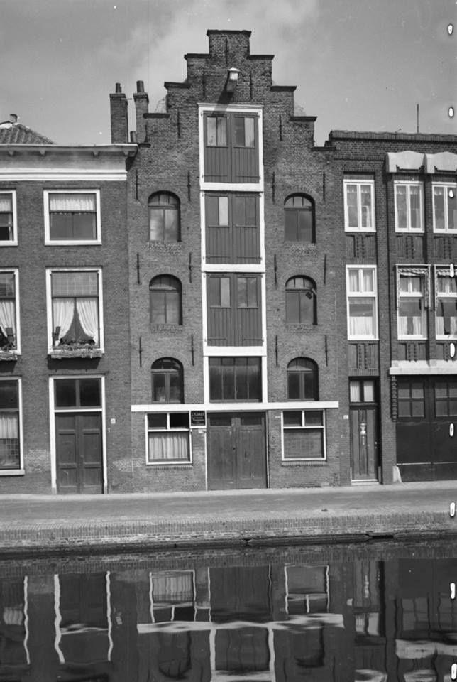 Oud pakhuis op de Oude Rijn.