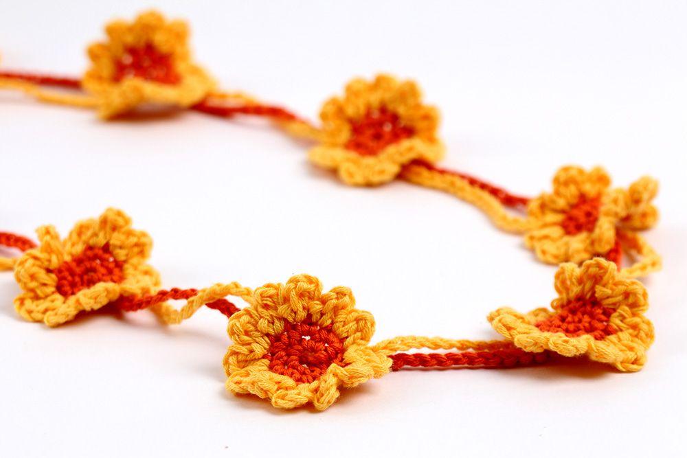 Free Crochet Pattern Sunflower necklace or bracelet by YarnTwist ...
