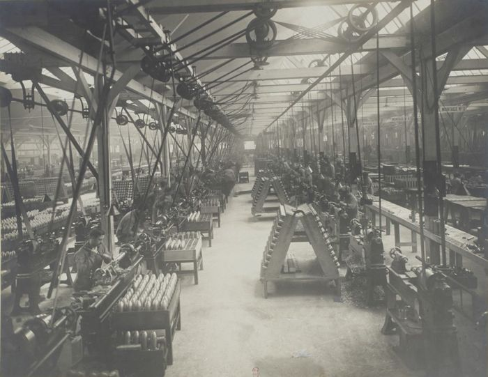 7 Octobre 1915 Finition - Grand atelier du0027usinage et de montage - gebraucht küchen köln