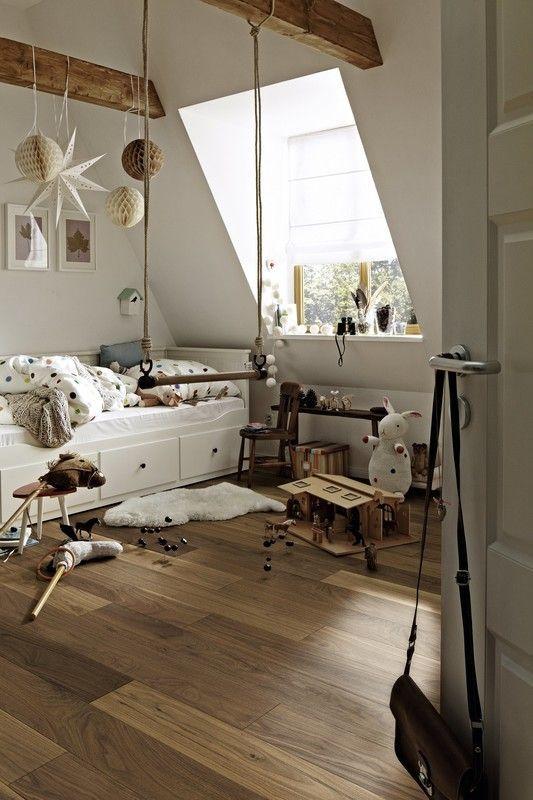 Parkett Residence PS 300 Nussbaum amerikanisch lebhaft 8044 - Schlafzimmer Landhausstil Weiß