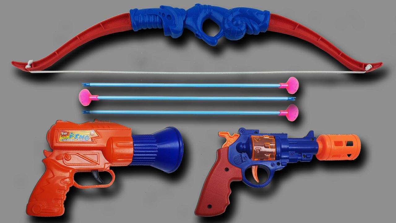 Realistic squirt gun