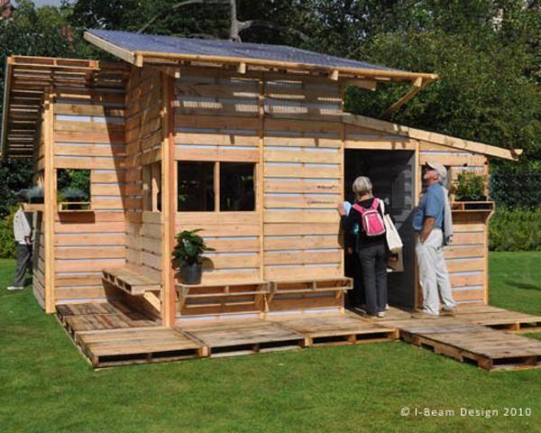Qu te parecen estas casas hechas de tarimas - Casitas con palets ...