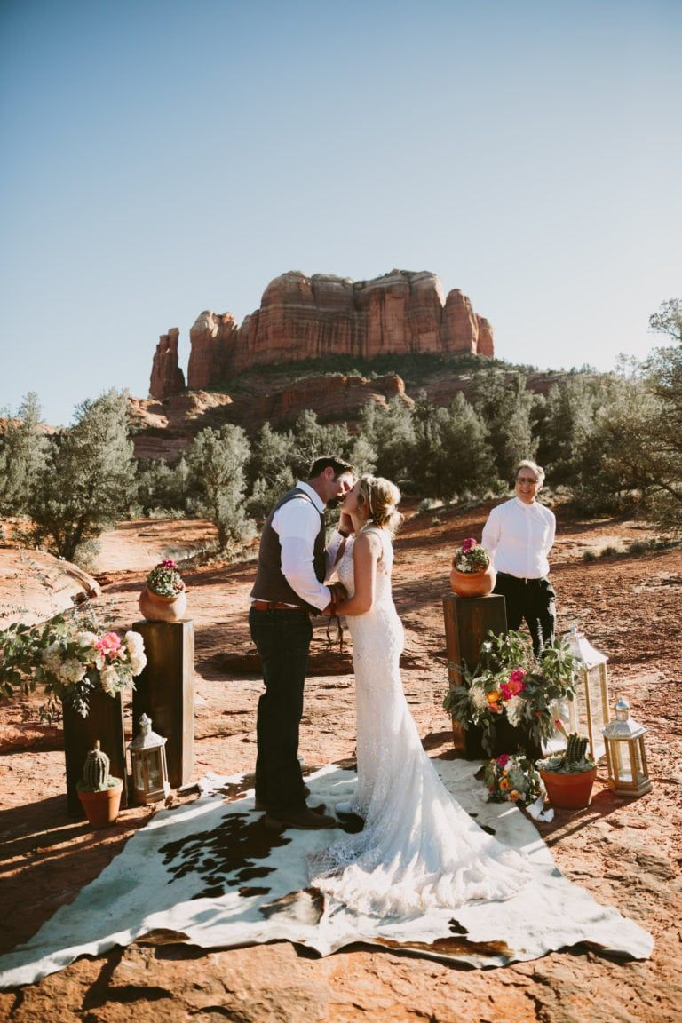 Cathedral rock elopement with sedona wedding photographer