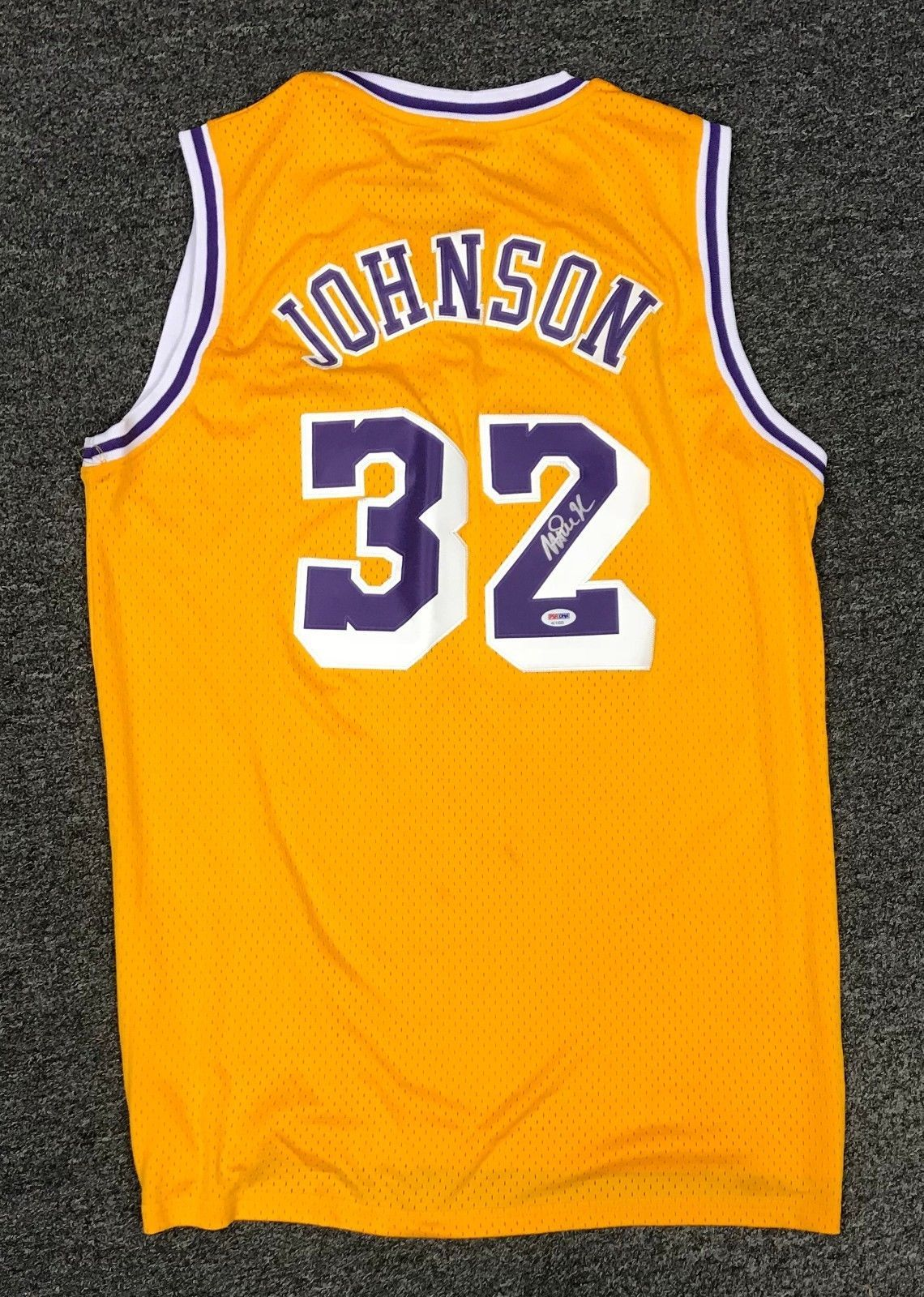 Magic Johnson  32 Signed Lakers Jersey Autographed AUTO Sz XL PSA DNA COA  HOF 32428770d